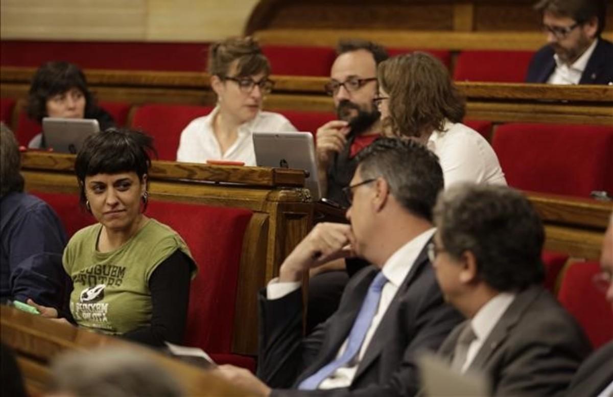Bronca por la visita de Otegi al Parlament en la sesión del control al Govern