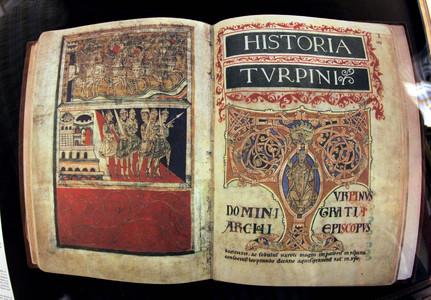 Edición facsímil del Códice Calixtino, expuesta en una sala de la catedral de Santiago de Compostela, de cuyo archivo desapareció la obra original.