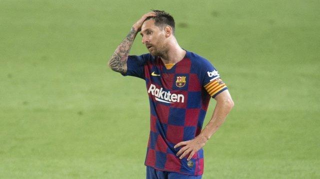 Patética despedida del Barça de su título de campeón