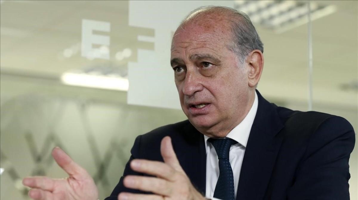 """Fernández Díaz alerta de que Podemos """"arruinaría a España"""""""