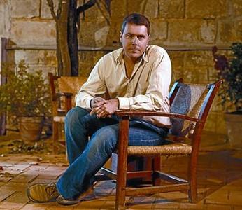 Oriol Broggi, sentado en la nave gótica de la Biblioteca de Catalunya.