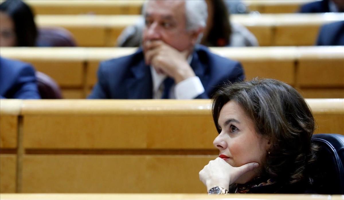 Rajoy tem obrir la porta a referèndums si toca la Constitució