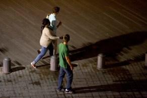 Prostitución junto al paseo marítimo de la Barceloneta.