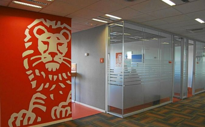 Interior de una oficina de ING Direct, en España