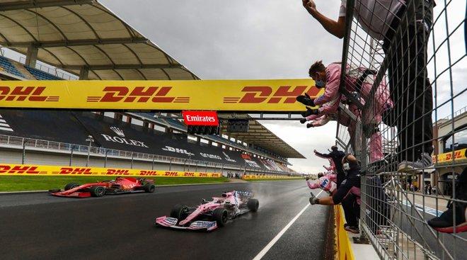 Pérez, presionado por Vettel en la misma línea de meta