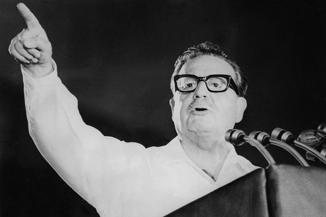 Salvador Allende da un discurso en Santiago de Chile. | AFP