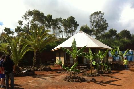 'Eco-hare', la primera casa de la isla hecha con deshechos. | Gobierno de Chile