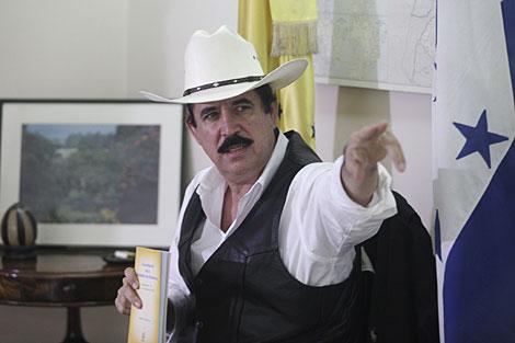 Zelaya, este lunes en la embajada de Brasil en Tegucigalpa. | Reuters