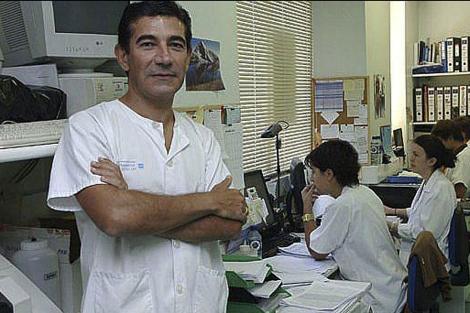 Vicente Soriano, en su unidad del Hospital Carlos III.