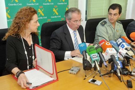 Josefina Galindo, Javier Torre y Luis Martín, este jueves, en Cádiz. | C. Zambrano