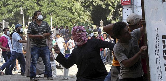 Protestas en El Cairo frente a la embajada de EEUU. | Efe