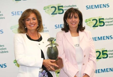 Ana Botella en la presentación del informe. | Siemens