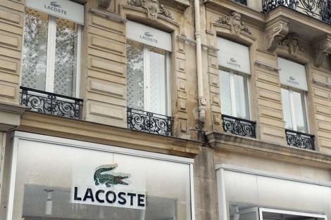 Una tienda de Lacoste en París. | Afp