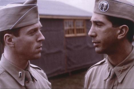 Damian Lewis y David Schwimmer, en 'Hermanos de sangre'.