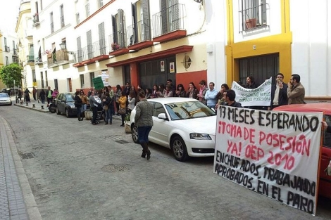 Los aprobados de la convocatoria de empleo de la Junta, en una protesta.