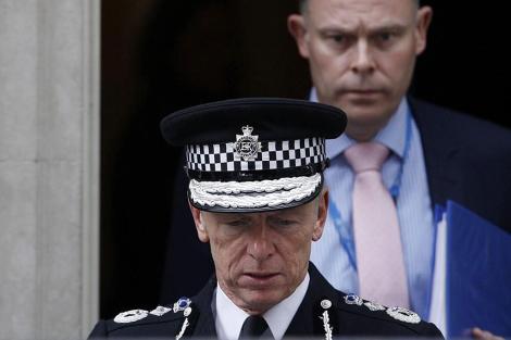 El comisario jefe de Scotland Yard sale de Downing Street. | Efe