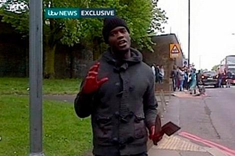 Michael Adebolajo fue grabado después de matar presuntamente a un soldado en Londres. | ITV