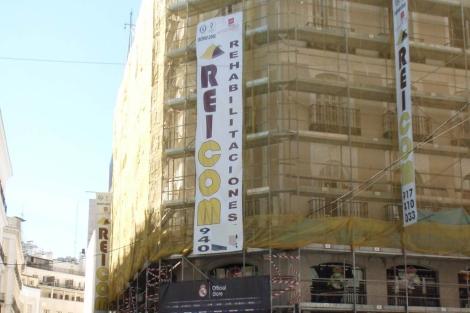 Edificio en rehabilitación en el centro de Madrid. | J. F. L.