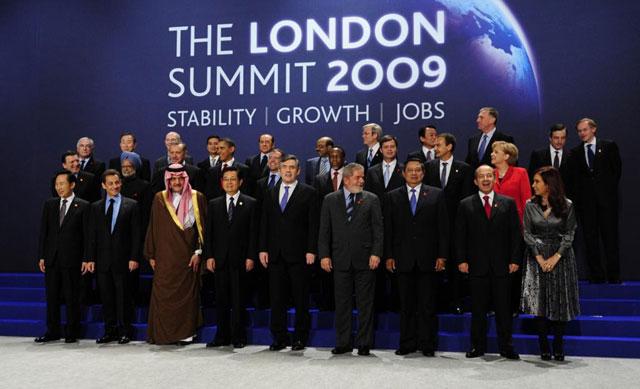 Foto de familia del G-20 en Londres en abril de 2009. | EL MUNDO