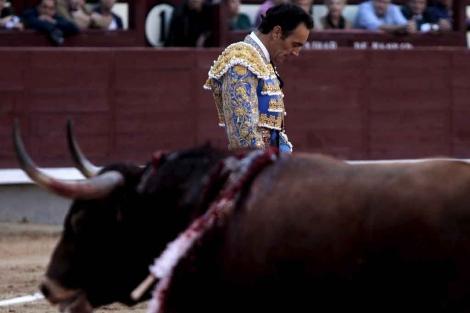 El Cid se lamenta tras pinchar su gran faena. | Antonio Heredia