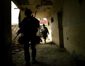 Soldados de EEUU patrullan en Baquba, Irak. (Foto: Marko Drobnjakovic   AP)