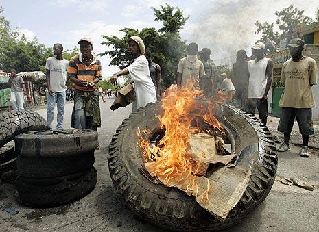 Protesta en Haiti por el aumento en los precios y escases de alimentos