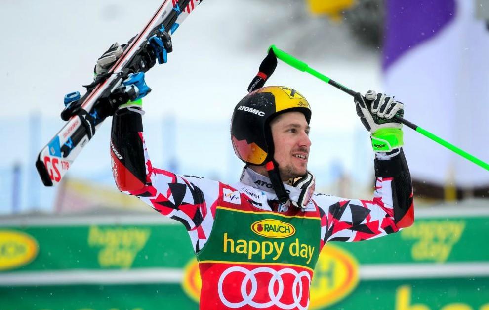 Marcel Hirscher celebra su victoria en Kranjska Gora.