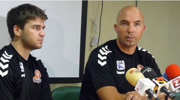 Demetrio Lozano compaginará las labores de técnico y jugador