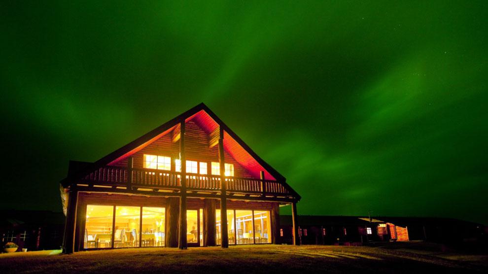 El hotel Rangá islandés, de cuatro estrellas, cuenta con un observatorio astronómico para ver las auroras boreales.
