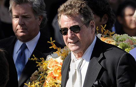 Ryan O'Neal encabezó los funerales por Farrah Fawcett en Los Ángeles. | Efe