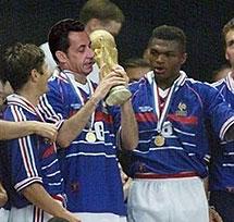 Campeón del mundo de fútbol en 1998.