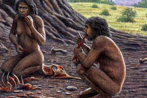 Un homínido de Atapuerca parte carne con la diestra.