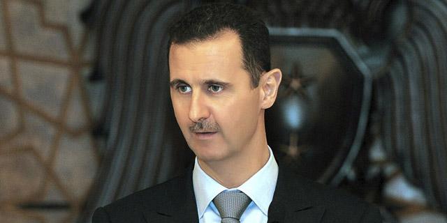 Bashar Asad pronuncia un discurso durante un banquete en honor a los clérigos musulmanes en Damasco.   Efe