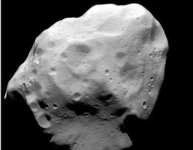 El asteroide Lutetia, captado por la sonda Rosetta. | ESA