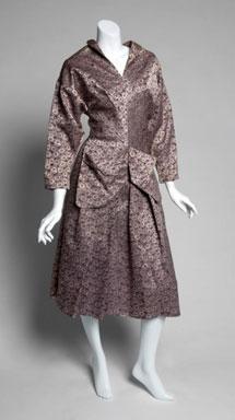 Uno de los vestidos subastados.