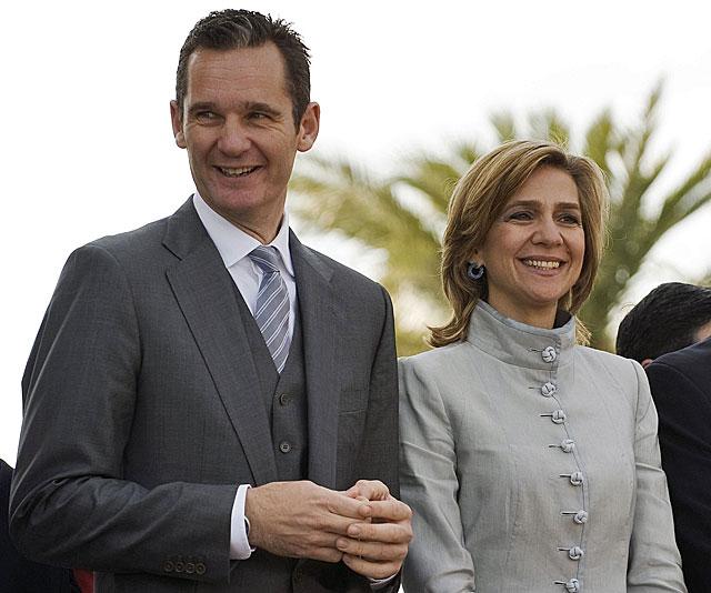Iñaki Urdangarin y la Infanta Cristina, en una imagen de enero de 2011. | Steve Nesius / Reuters