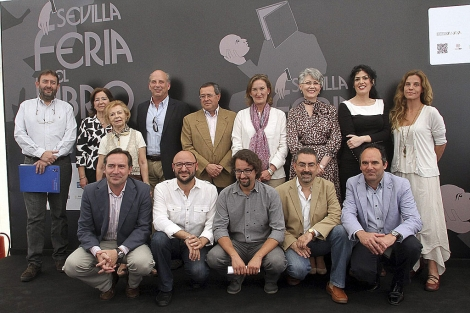 Los galardonados por la Feria del Libro de Sevilla. | Jesús Morón