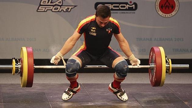 El español Josué Brachi, oro en arrancada en categoría -56 kilos