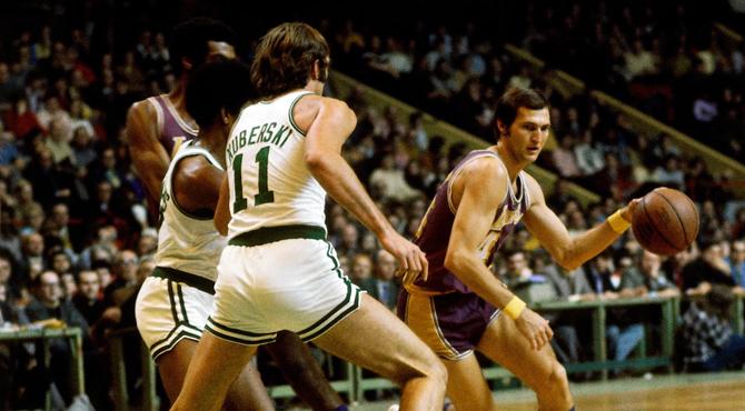 Los Lakers tuvieron que jugar como una mierda para seleccionar al nuevo Jerry West