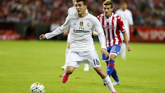 Real Kovacic El En Jugada Debuta Nuevas La Madrid Botas Estrenando wXOknN80P