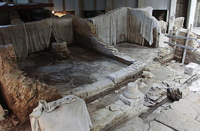 Interior del templo de Mitra, 'oculto' bajo un edificio universitario. | Pedro Agrelo