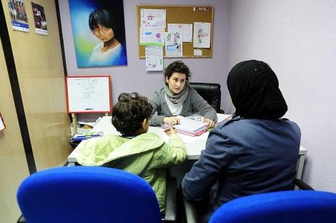 España, en los puestos más altos de pobreza infantil y a la cola en educación