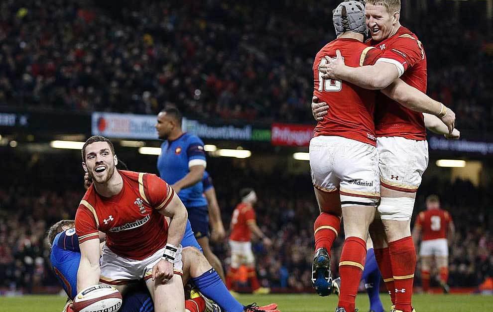 George North celebra el ensayo con el que País de Gales dio el golpe...