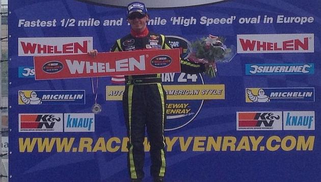 Ander Vilariño se mantiene líder de la NASCAR Europea