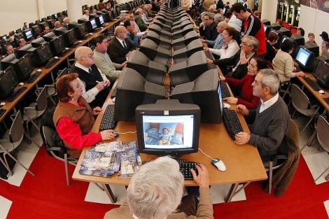 Mayores en Internet. | J. M. Lostau