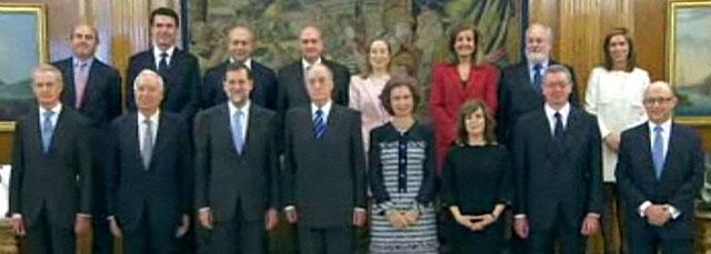 Foto de familia del nuevo Gobierno con los Reyes en la Zarzuela.