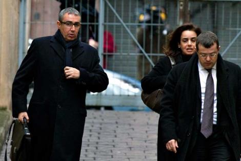 Torres, Tejeiro y su abogado a su llegaa a los juzgados de Palma es pasado febrero | Efe