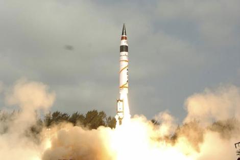 Lanzamiento del misil nuclear indio de largo alcance. | Reuters