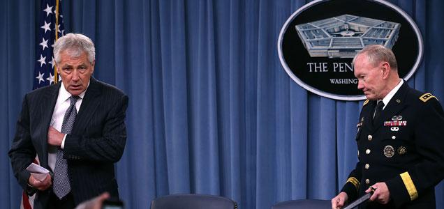 El jefe del Estado Mayor de EEUU, Martin Dempsey, y el secretario de Defensa, Chuck Hagel, ante la prensa. | Afp