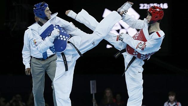Joel González, plata en los Mundiales de taekwondo